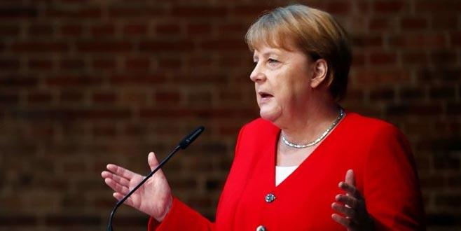 Merkel'den Türkiye'ye yardım sinyali