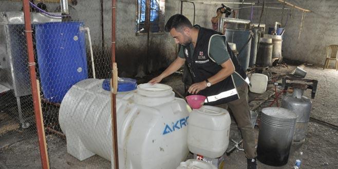 5 bin 400 litre sahte içki ele geçirildi