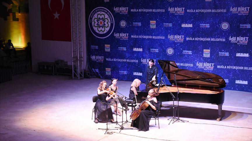 Piyanist İdil Biret Muğla'da konser verdi