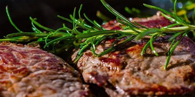 Uzmanından uyarı: Eti ayranla tüketmeyin