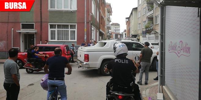 Silah sesinin ardından sokağa döküldüler