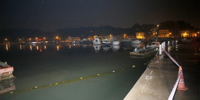 Minibüs balık tutanlara çarptıktan sonra denize düştü: 6 yaralı