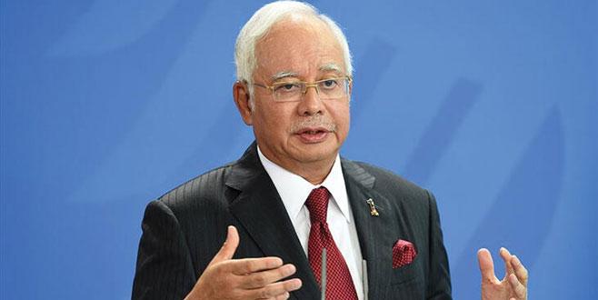 Eski Malezya Başbakanı Necip Rezak'ın yolsuzluk davasında duruşma ertelendi