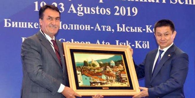 Dündar'dan Türk dünyasına birlik mesajı