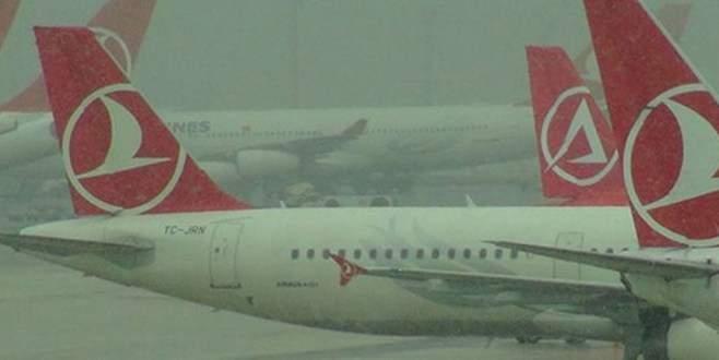 Uçak seferleri durdu