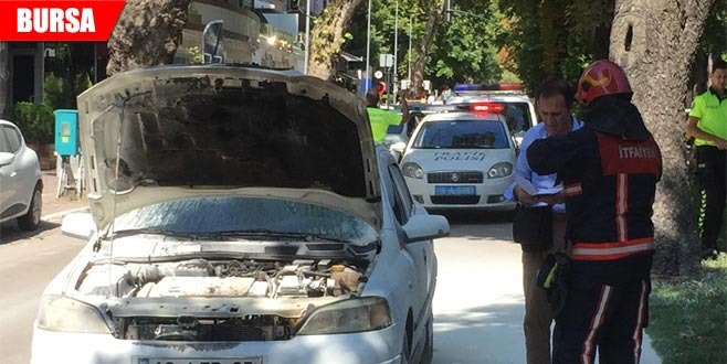 Seyir halindeki otomobil alev alınca imdada otobüs şoförü yetişti