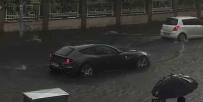 Milyonluk otomobil suda mahsur kaldı