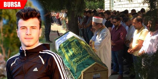 İstanbul'da boğulmuştu... 19 yaşındaki Bayram'a hüzünlü veda!