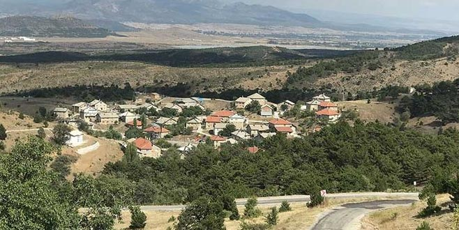 35 haneli mahalleden 25 doktor çıktı