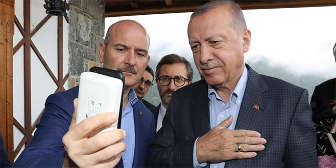 Erdoğan, oğlunu terörden kurtaran anne ile görüştü