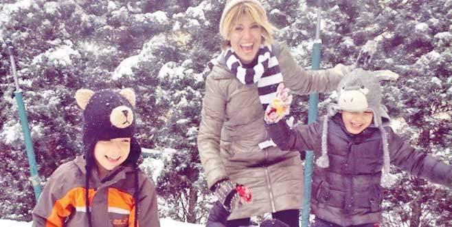 Gülben'in kar aşkı!