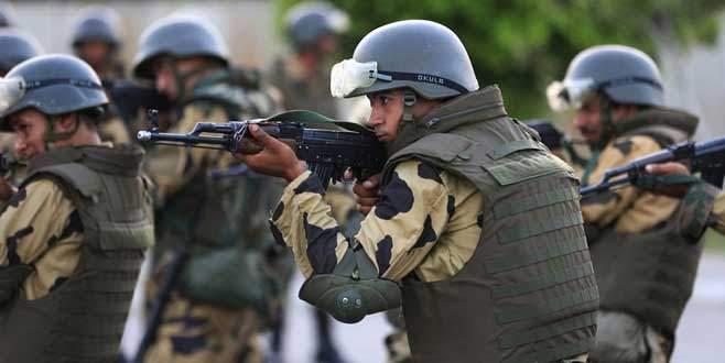Mısır özel kuvvetleri Libya'da operasyon yaptı