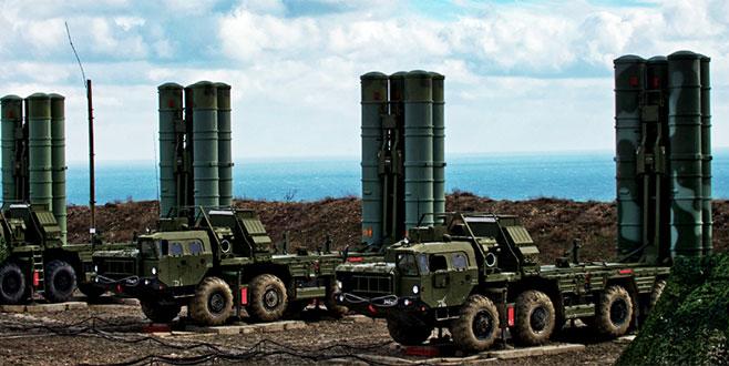 Rusya'dan S-400'lü gövde gösterisi