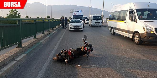 Otomobil motosiklete çarptı! 50 metre ileriye fırladı...