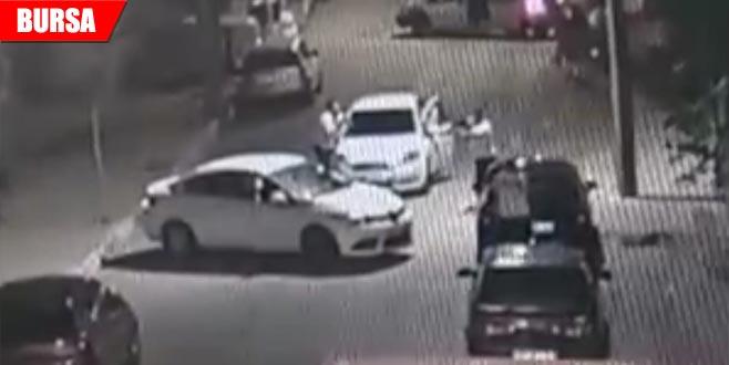 Sokak ortasında silahlı kavga