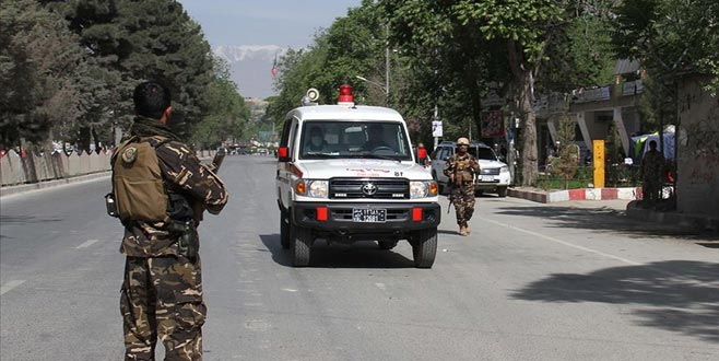 Afganistan Cumhurbaşkanı'nın mitinginde bombalı saldırı