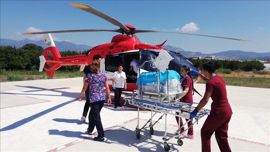 Ambulans helikopter 400 gramlık bebek için havalandı