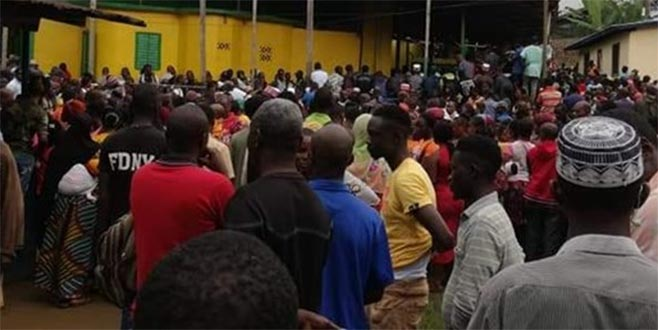 Okulda facia: 30 çocuk öldü