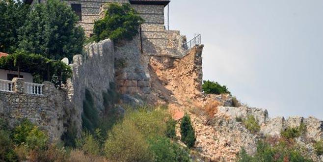 Lüks evdeki tadilat tarihi surları yıktı