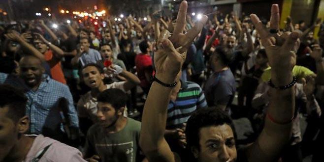 Maç sonrası Sisi protestoları