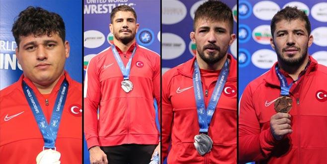 Türkiye Dünya Güreş Şampiyonası'nı 4 madalya ile tamamladı
