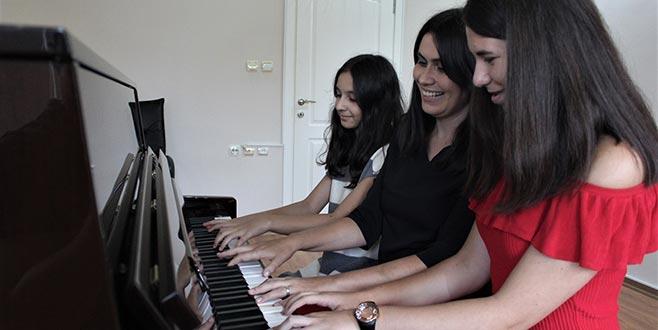 Bursalı öğrenciler Viyana'da birinci oldu