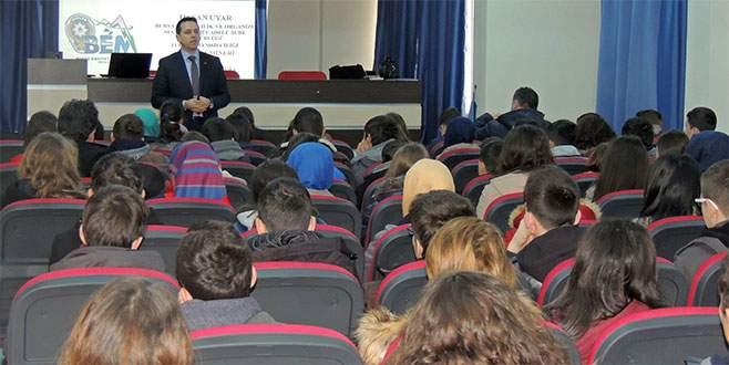 Liselilere madde bağımlılığı konferansı