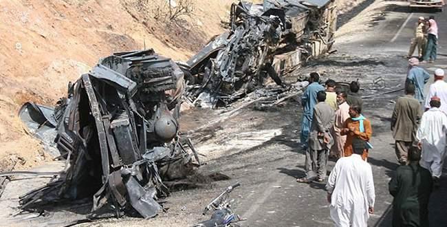 Minibüsün LPG tankı patladı: 10 ölü