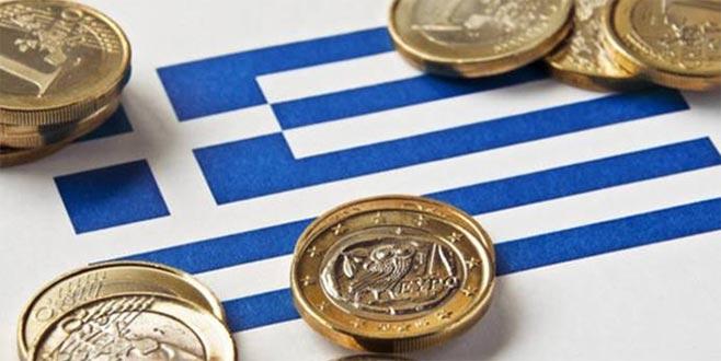 Yunanistan eksi faize geçti