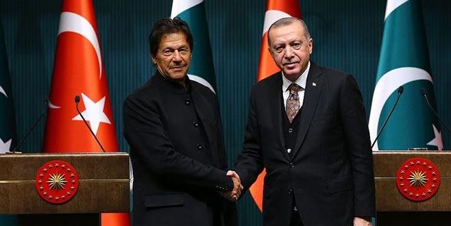 Pakistan Başbakanı Han'dan Erdoğan'a destek telefonu