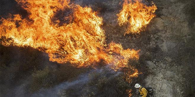 Kaliforniya'daki yangın önlenemiyor