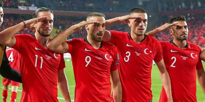 UEFA'dan gol sevinci yalanlaması