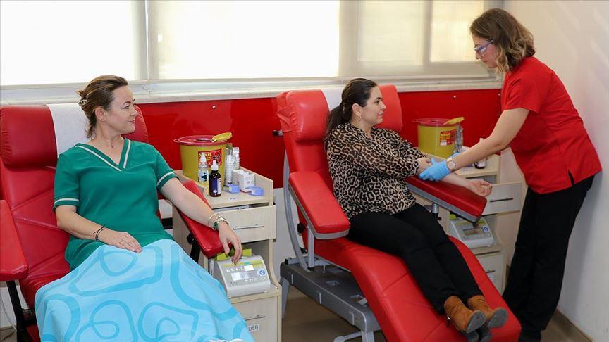 Kadınlar kan bağışında atağa geçti