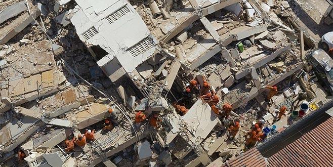 Brezilya'da 7katlı bina çöktü