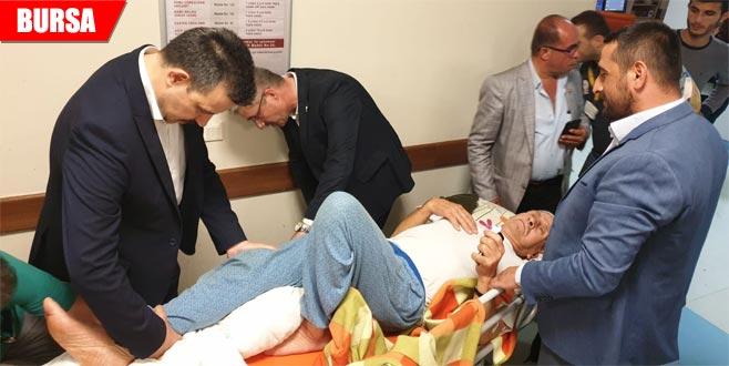 Milletvekili Mustafa Esgin kolu kırılan çocuğu tedavi etti