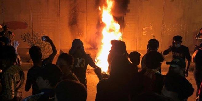 İran'a öfke: 3 ölü
