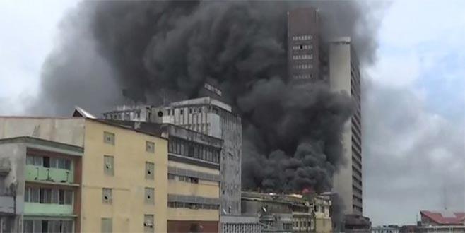 Nijerya'da iş hanında yangın