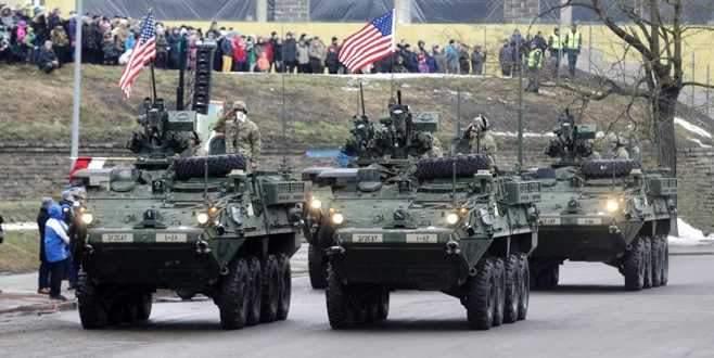 ABD Rusya sınırında gövde gösterisi yaptı