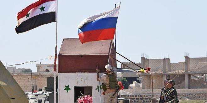 ABD üssünde Rus bayrağı