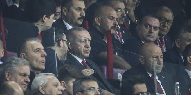 Cumhurbaşkanı Erdoğan, Türkiye-İzlanda maçında