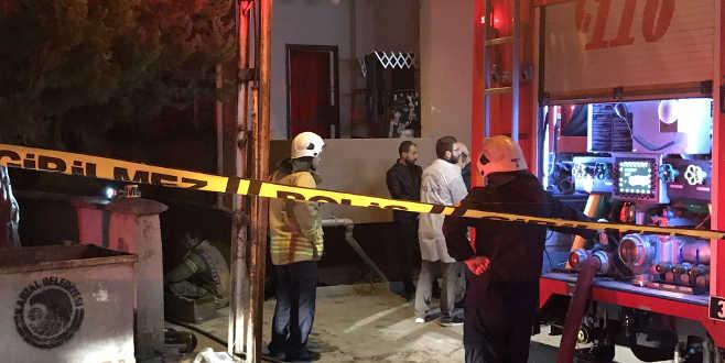Mobilya atölyesinde yangın: 2 ölü