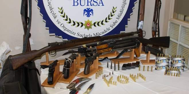 Bursa'da polisinden silah operasyonu!