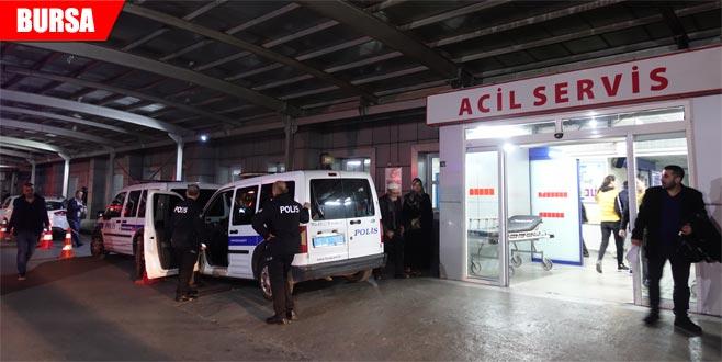 Kavgayı ayırmaya çalışan polis yaralandı