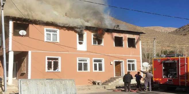 Yangın faciası: 2'si çocuk 3 ölü