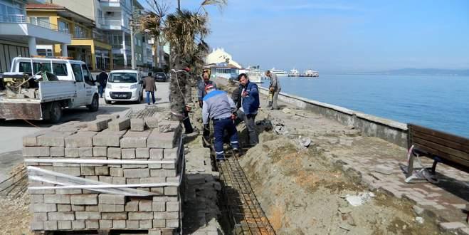 Sahil yolu onarılıyor