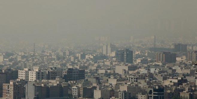 Tahran'da hava kirliliği okulları tatil ettirdi