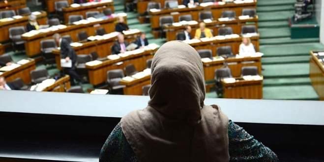 Kanada'da hakim başörtülü kadının davasına bakmadı