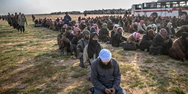 5 DAEŞ'li terörist sınır dışı edildi