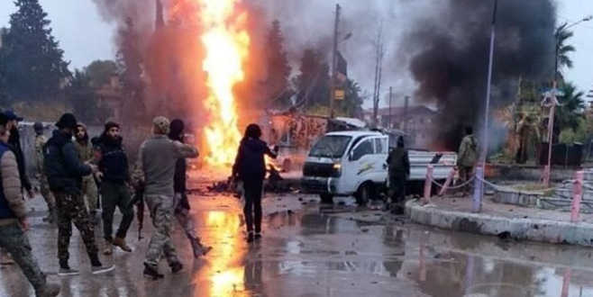 Resulayn'da bombalı araç saldırısı: 2 sivil öldü