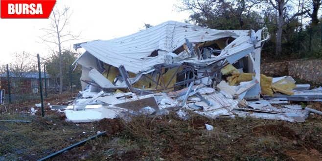 İnternette 360 bin TL'ye satılan kaçak ev yıkıldı